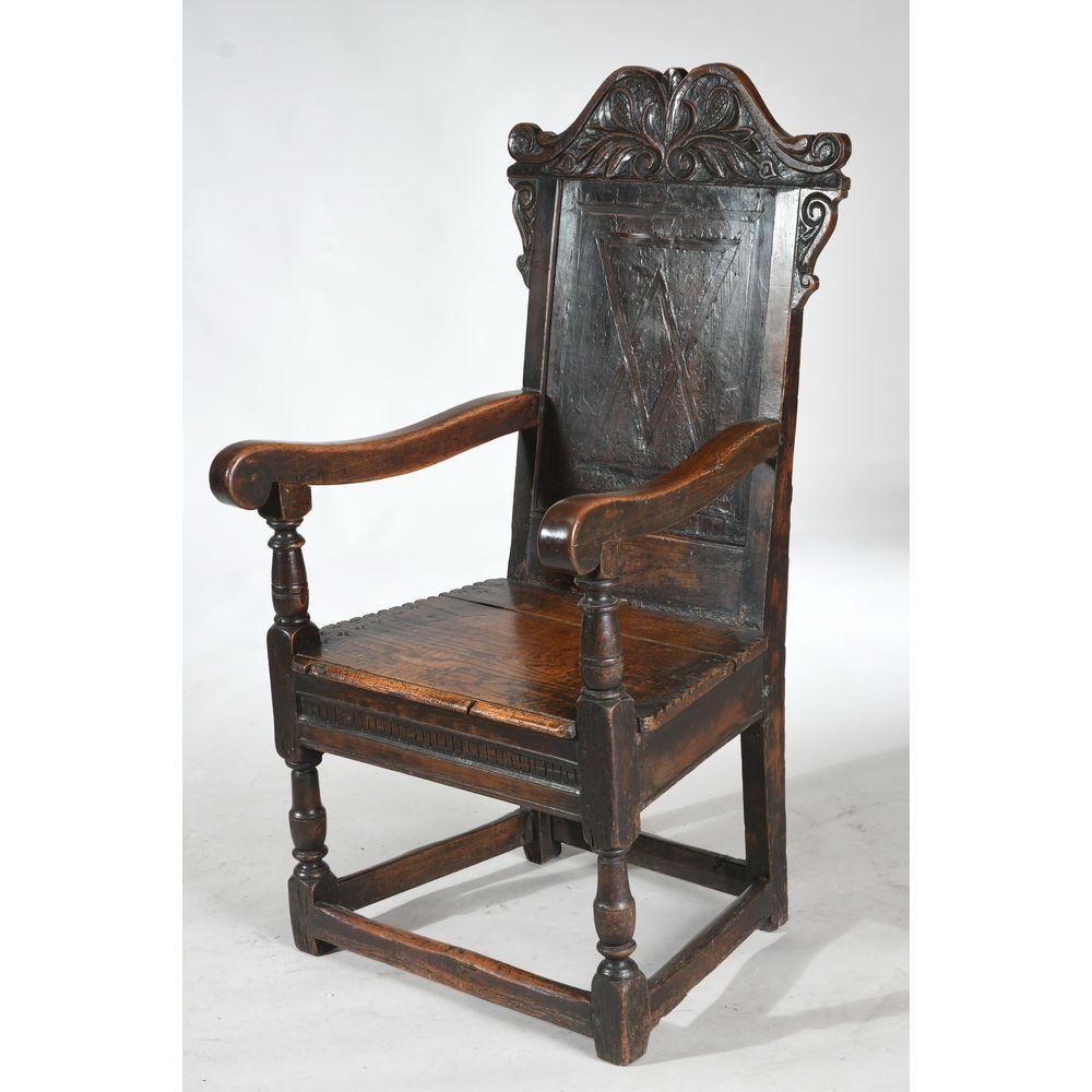 N° 7 - FAUTEUIL HENRI II en bois naturel à assise évasée