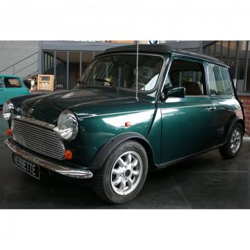 N° 5 - MINI BRITISH OPEN (TOIT OUVRANT) – 1995. Mini voiture, Maxi plaisir !!! La Mini est inovante, car contrairement à la concurrence de l'époque (A sa sortie), le moteur est d'une part placé à l'avant mais d'autre part en position transversale (1ère mo